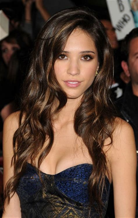 Kelsey Chow Bra Size, Age, Weight, Height, Measurements