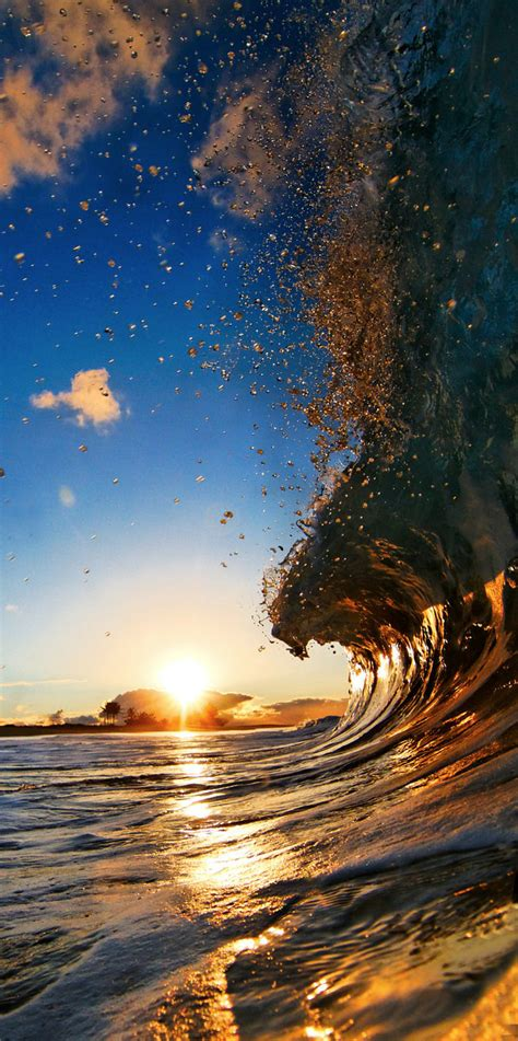 Beautiful Ocean Waves from Incredible Perspectives