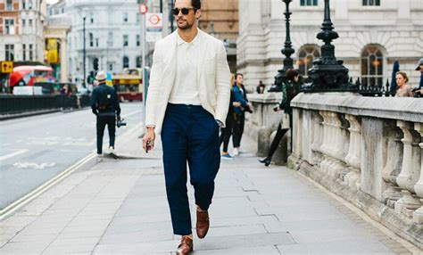 How To Wear Minimal Clothing - Modern Men's Guide