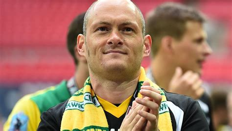Norwich promoted to EPL: the incredible story behind 33