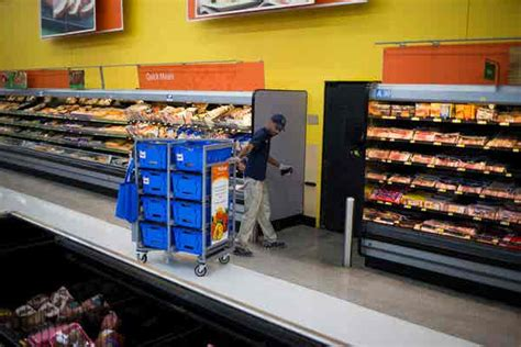 Walmart Puts Its Eggs in a Time-Saving Basket: Grocery
