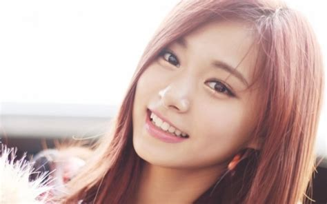 TWICE Tzuyu's Face With No Makeup, Still Pretty or not