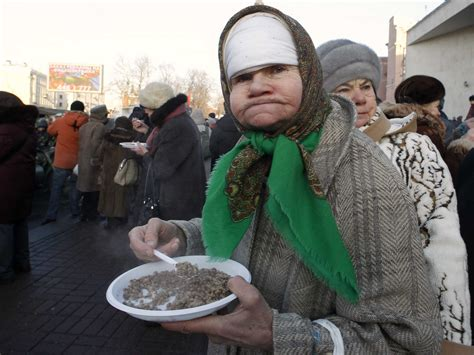 Food Prices Surge As Panicked Russians Empty Their Bank