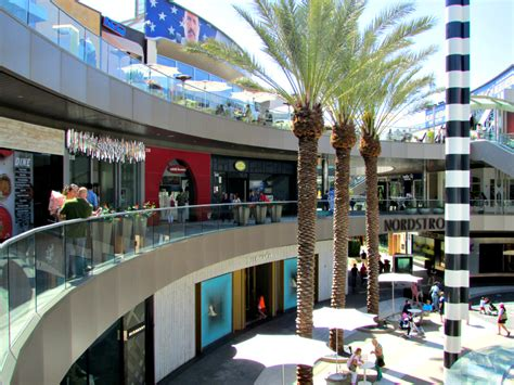 WithMe brings interactive retail concept to 6 new shopping
